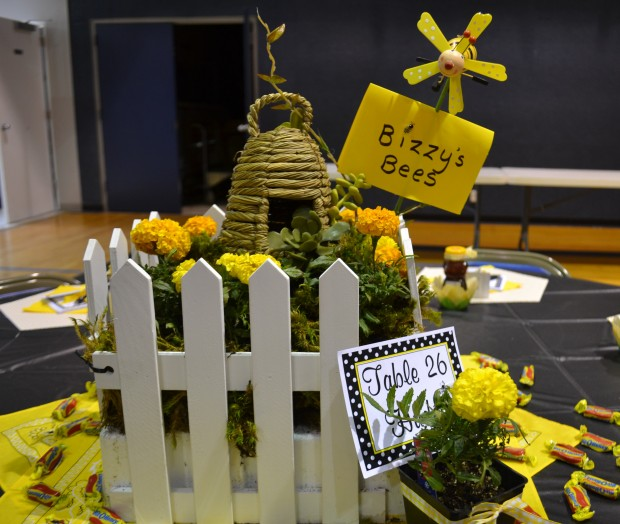 bee s centerpiece