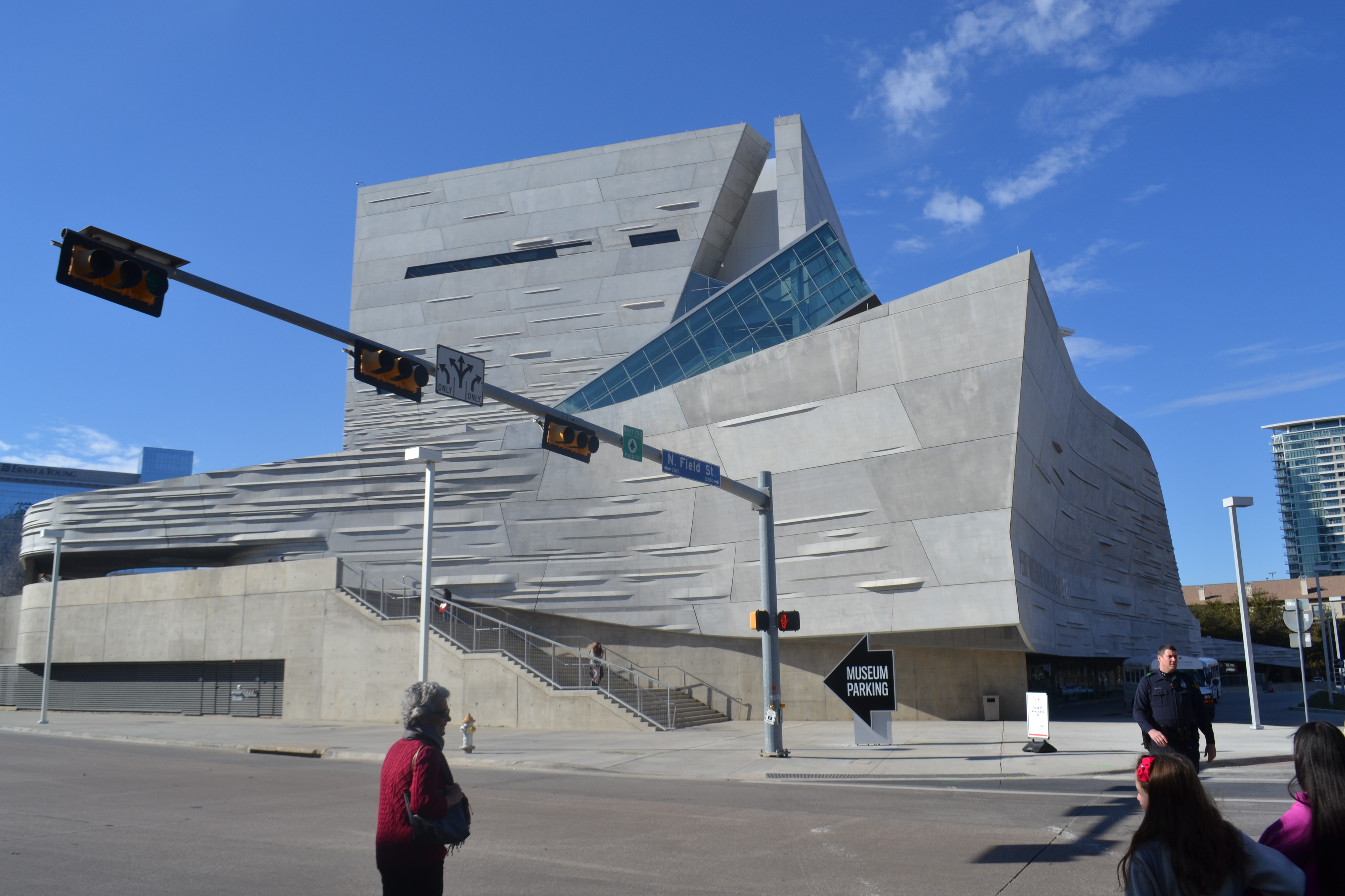 Can You Take Food To The Perot Museum